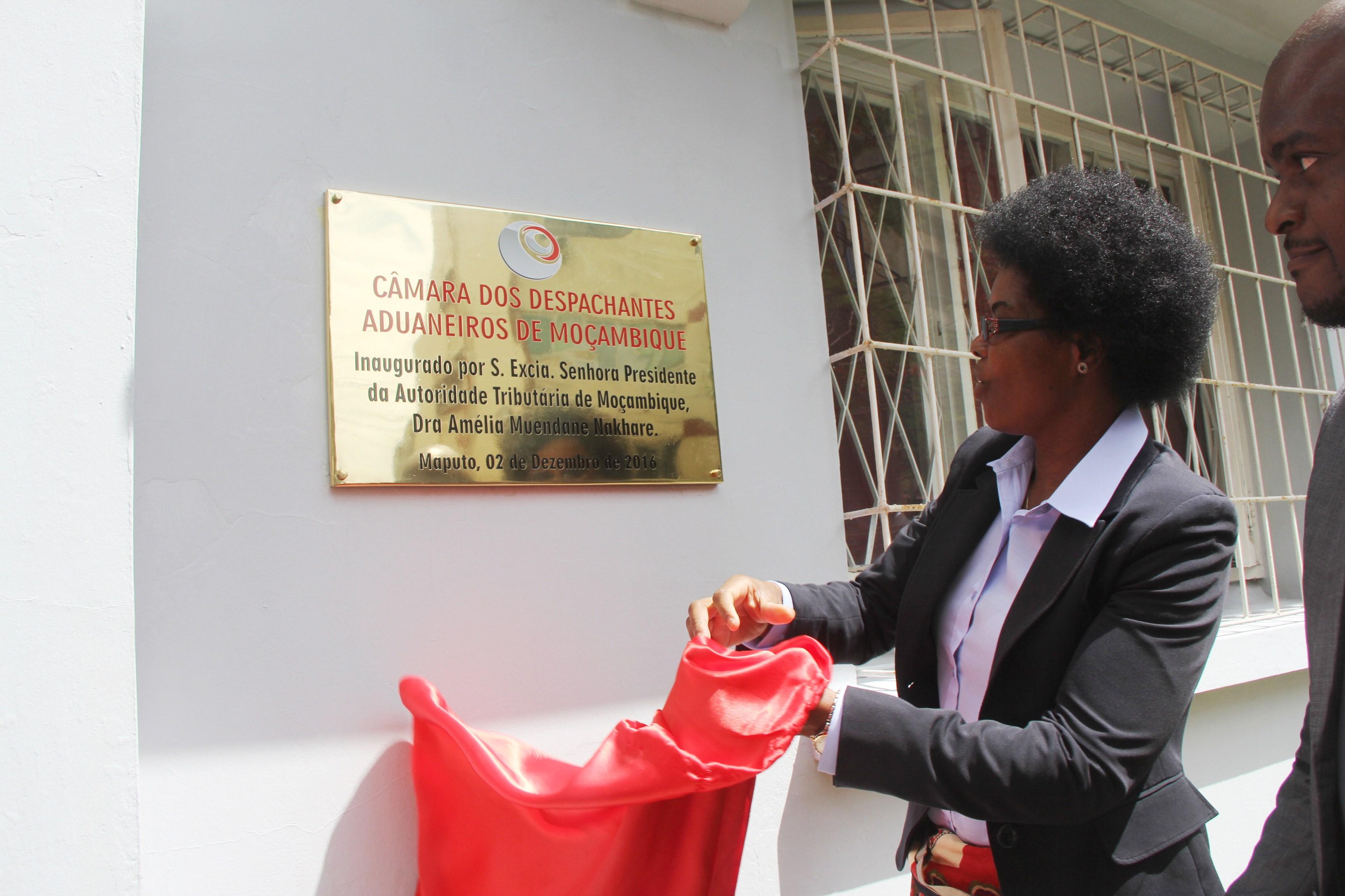 Câmara dos Despachantes O ciais de Angola visita Moçambique